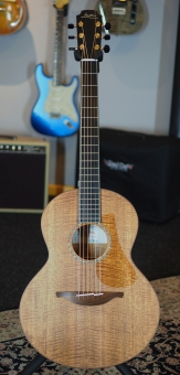 Lowden S35M, Mastergrade Fiddleback Mahogany Body, Back & Sides