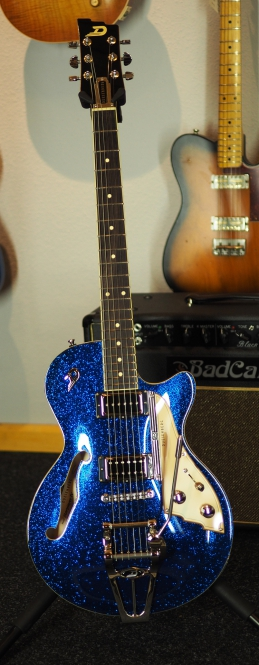 Duesenberg Starplayer TV Blue Sparkle