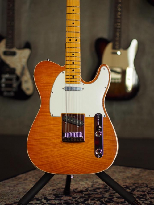 Fender Custom Shop Flame Maple Top American Custom Telecaster, honey burst, SOLD!