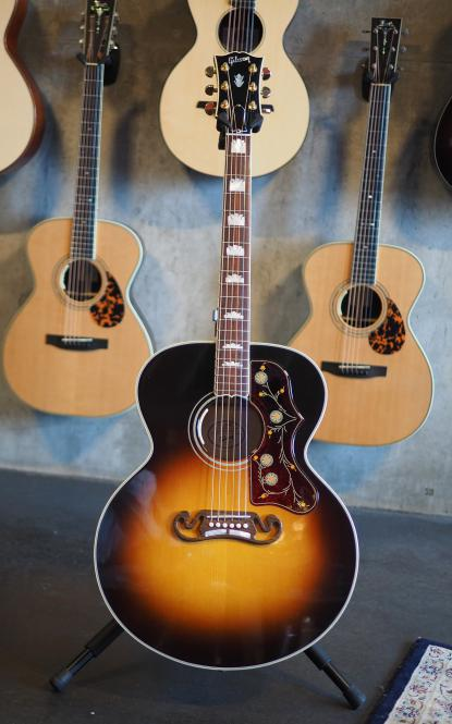 Gibson J 200 Standard, LR Baggs Anthem, VSB, Baujahr 2017, in absolutem Neuzustand!