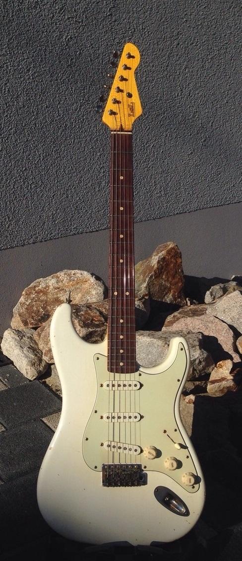 LsL Saticoy, vintage white, Rosewood Neck, SOLD     - Resident Guitars
