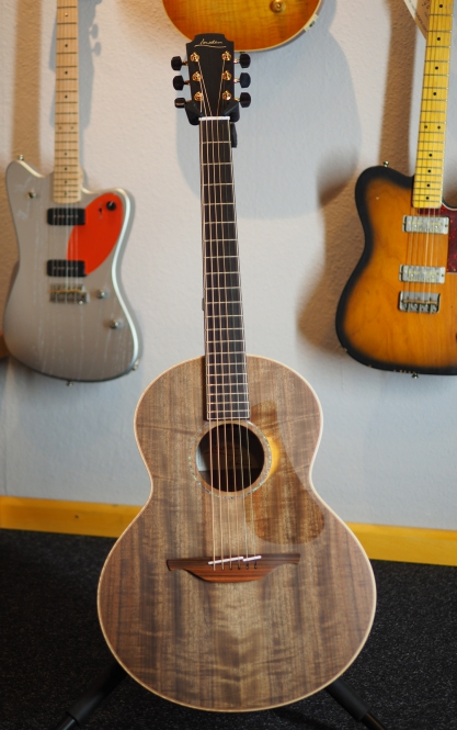 Lowden S35W, Mastergrade Walnut Body, Back & Sides